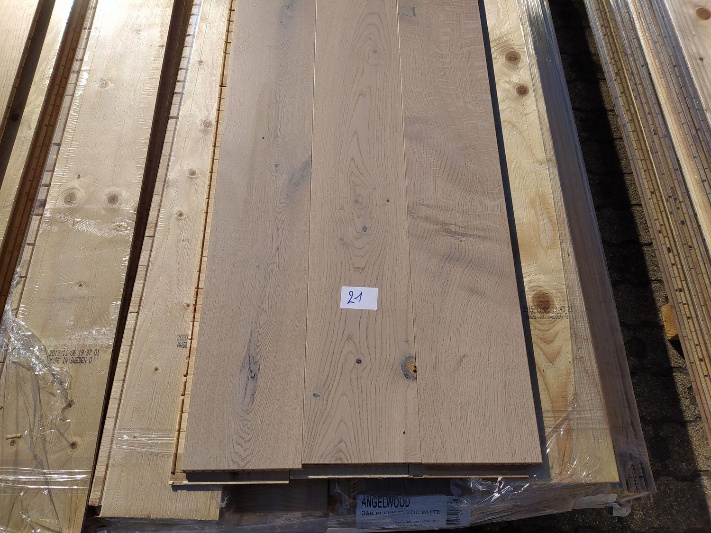 38m2 mehrschichtiger Parkettboden aus Eichenholz