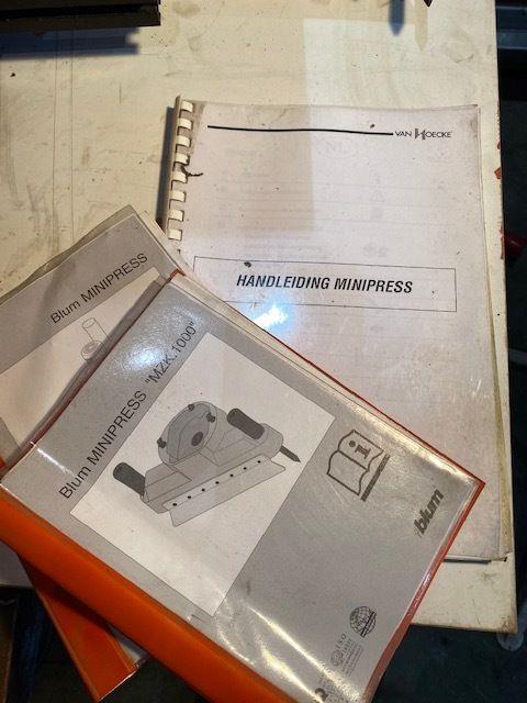 Blum Minipress