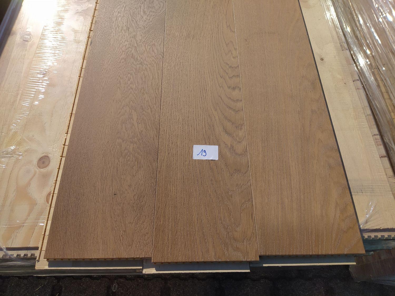 82m2 mehrschichtiger Parkettboden aus Eichenholz