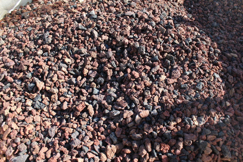 3,6 Tonnen Lava gespalten 0/12 - 4m³