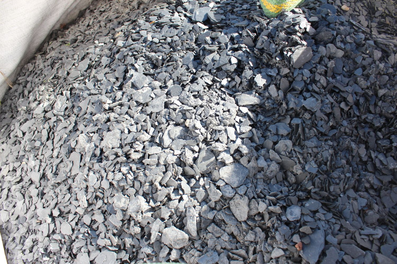 1,2 Tonnen Schieferschwarz 0/20 - ± 0,8 m³