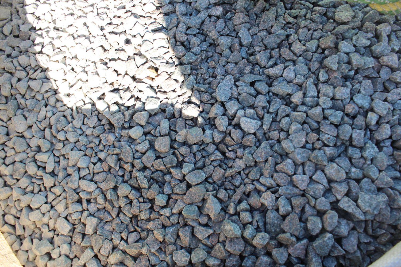 1,5 Tonnen Porphyr Split 6/14 grün-grau - 1 m³