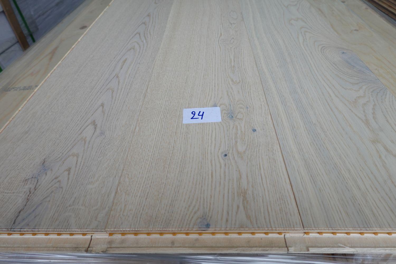 100,64 m² Eichenmehrschichtparkett