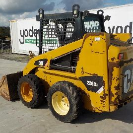 2011 CAT 226B3 Skidsteer Open Cab, Piped c/w Bucket, Forks, Q/C - CAT0226BVMWD01960